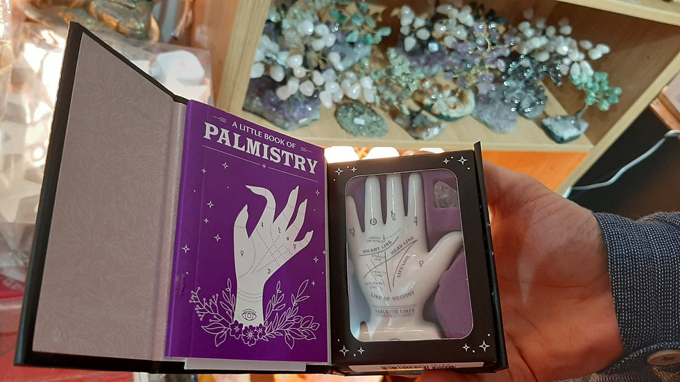 Mini palmistry box
