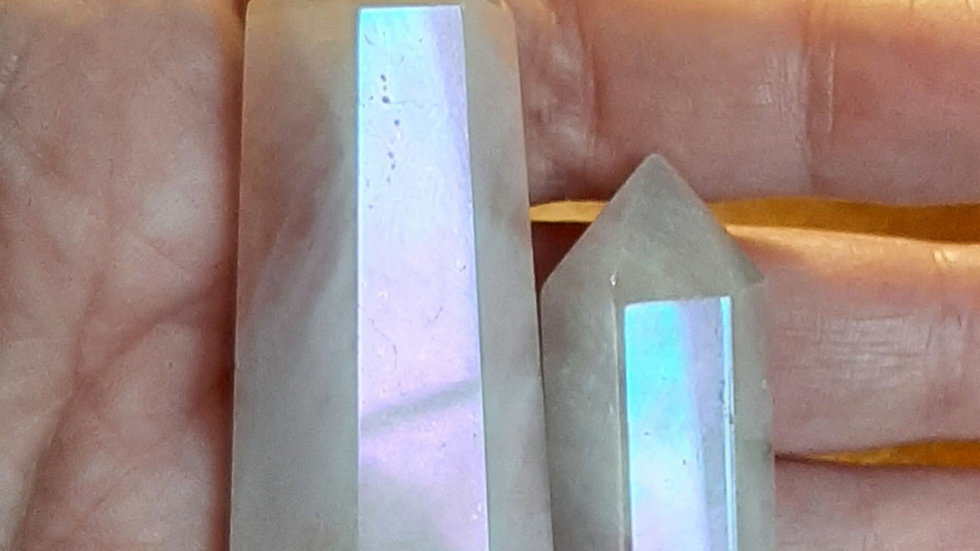 Rose Aura Rose quartz ( Left crystal) 70mm