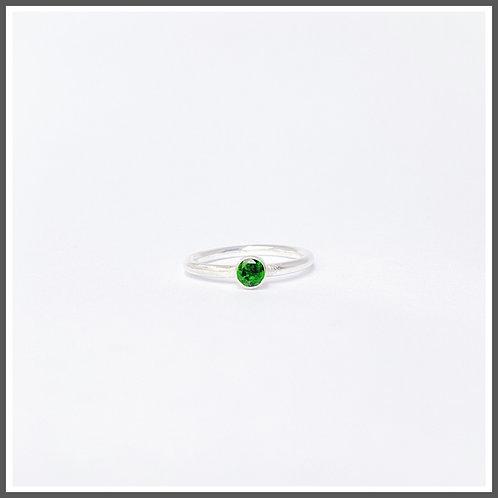 Chrome diopside gemstone ring. Alternative birthstone to Emerald