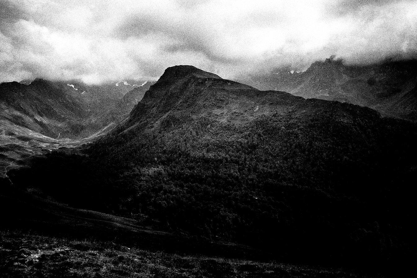 Sang Noir Elie Monferier Premio al Mejor Libro de Fotografía del Año PhotoEspaña 2020
