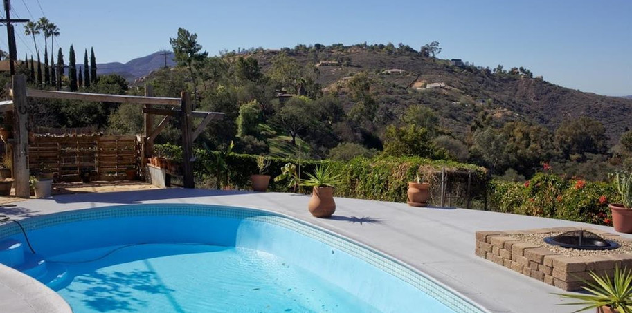 14218 Myrtle pool.JPG
