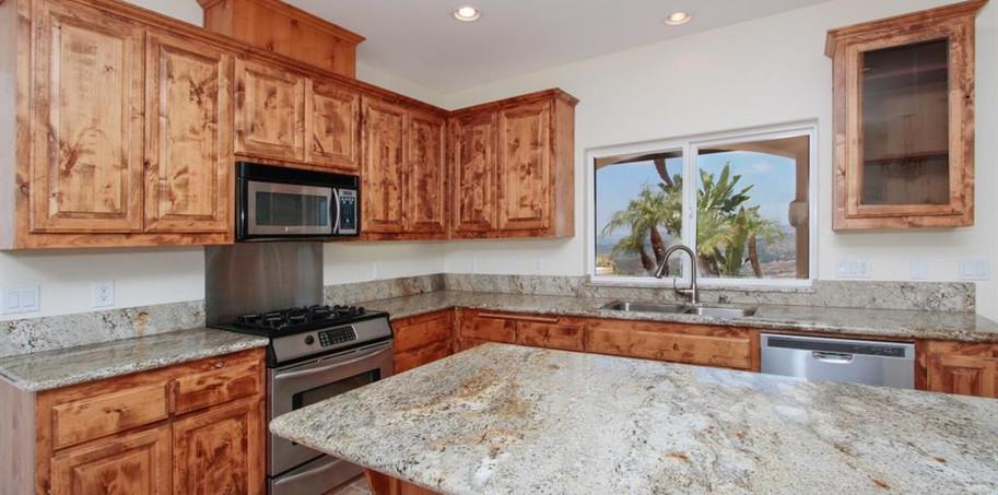 Roadrnne kitchen.JPG