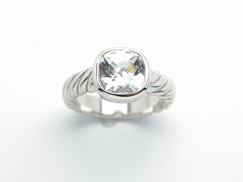 14 karat white gold white topaz ring