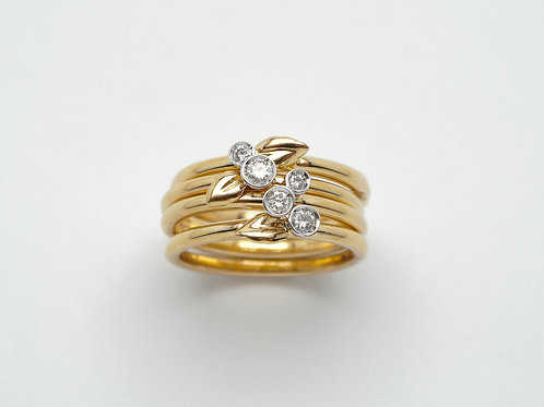 18 karat yellow gold and white gold diamond ring