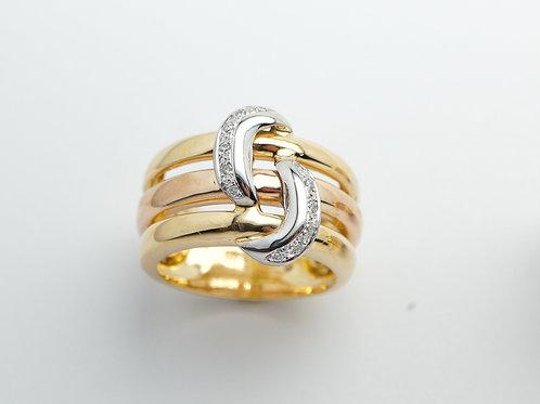 18 karat yellow, white and rose gold diamond ring