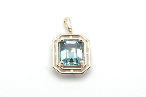 14 karat yellow gold topaz pendant