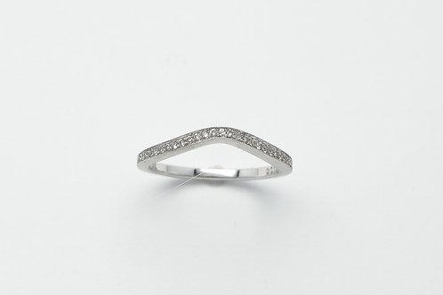 18 karat white gold diamond band