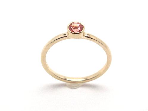 14 karat yellow gold padparadscha sapphire ring