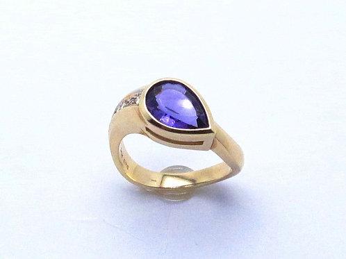 14 karat yellow gold amethyst and diamond ring