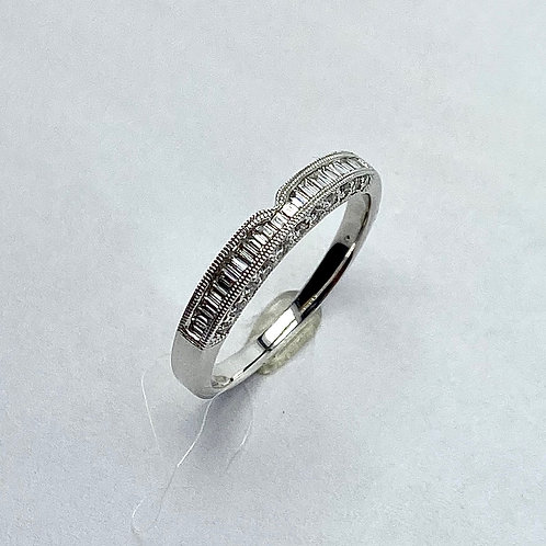 18 Karat White Gold Diamond Weding Band