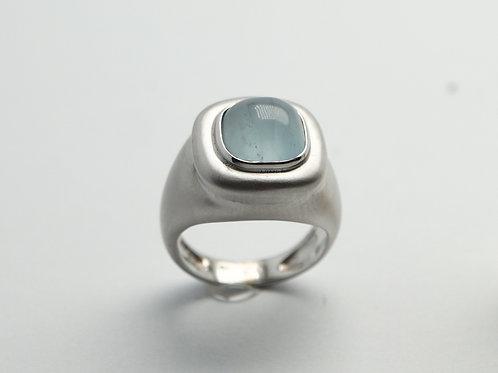 14 karat white gold aquamarine ring