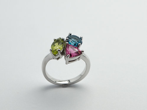 14 karat white gold peridot, blue topaz and pink tourmaline ring