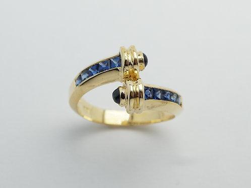 18 karat yellow gold sapphire ring
