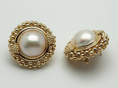14 karat yellow gold mobe' pearl earrings