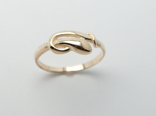 14 karat yellow gold ring