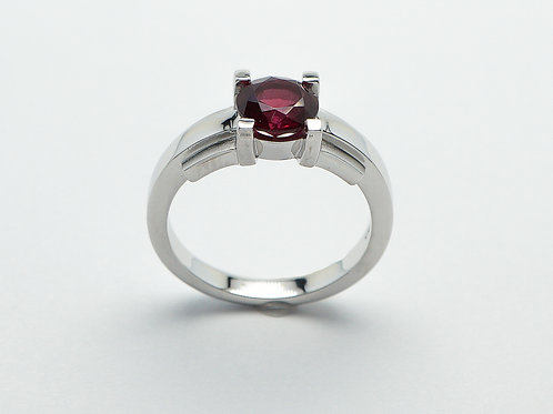 14 karat white gold rhodolite garnet ring