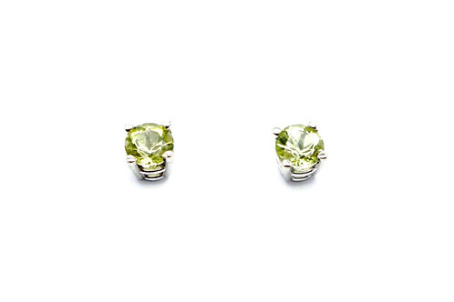 14 karat white gold peridot earrings
