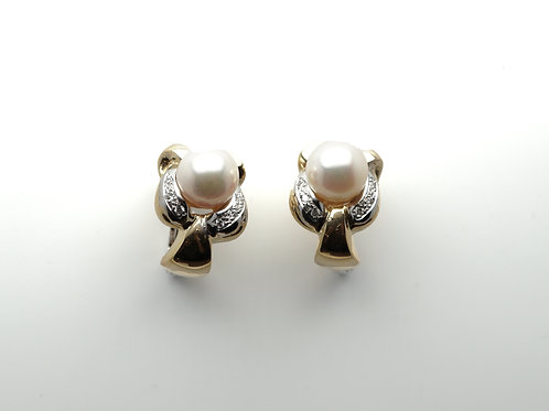 18 karat yellow gold and white gold pearl and diamond earrings