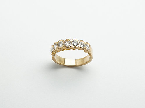 14 karat yellow gold diamond band