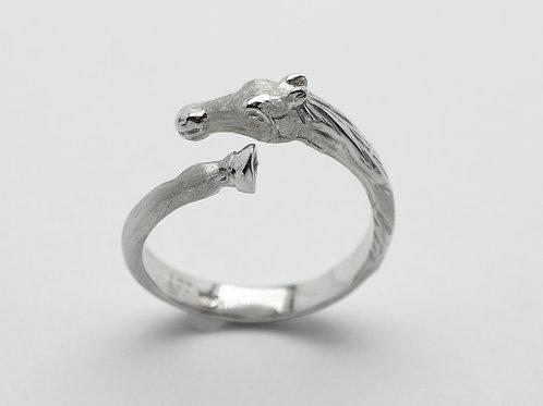 14 karat white gold horse ring