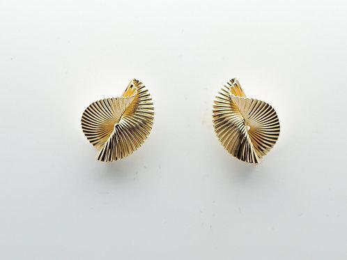 14 karat yellow gold earrings
