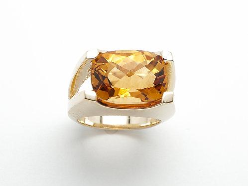 14 karat yellow gold citrine ring