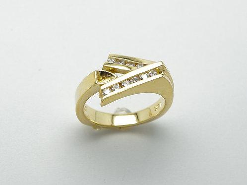 18 karat yellow gold semi mount diamond engagement ring