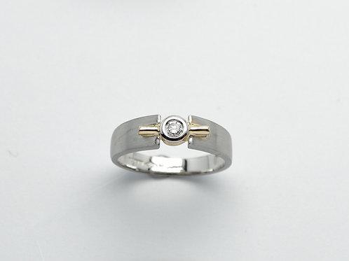 Platinum and 18 karat yellow gold diamond band