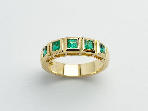 18 karat yellow gold emerald ring
