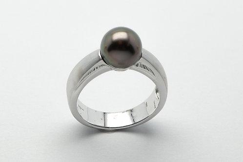 14 karat white gold Tahitian pearl ring
