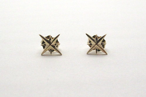 14 karat yellow gold star earrings