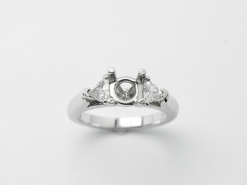 Platinum semi mount diamond engagement ring