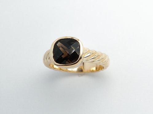 14 karat yellow gold smokey quartz ring