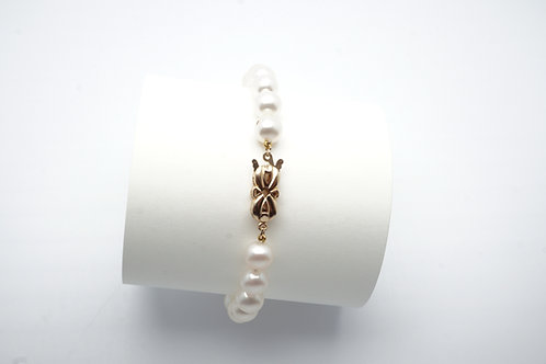 14 karat yellow gold pearl bracelet