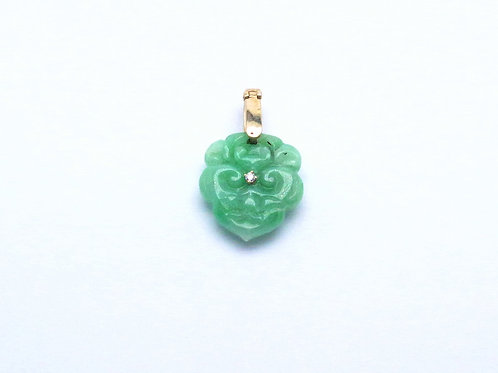14 karat yellow gold jadeite and dimaond pendant