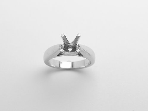 18 karat white gold engagement ring mounting