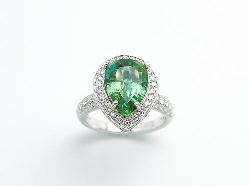 18 karat white gold green tourmaline and diamond ring