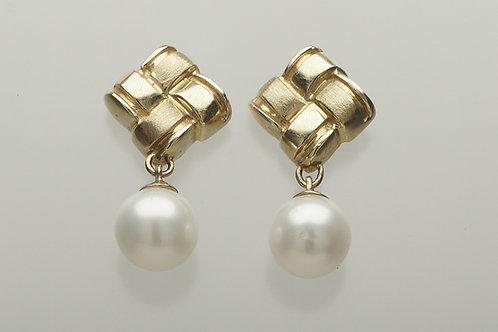 14 karat yellow gold pearl drop earrings