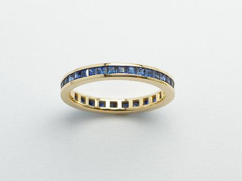 18 karat yellow gold sapphire band