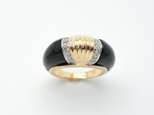 14 karat yellow gold black onyx and diamond ring
