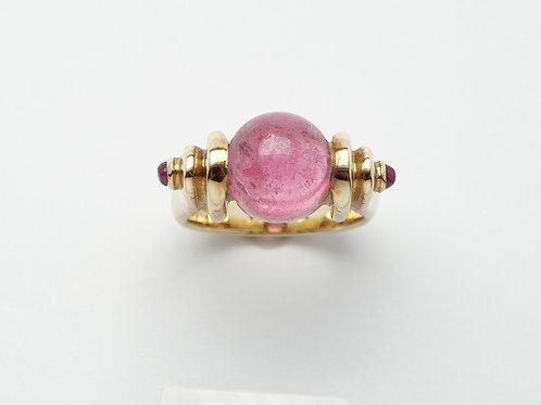 18 karat yellow gold pink tourmaline ring