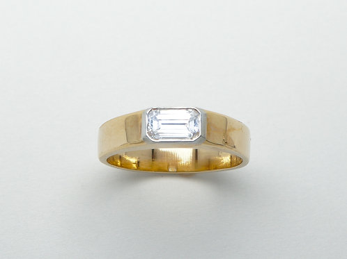 14 karat yellow gold and platinum diamond ring