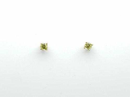 14 karat yellow gold peridot earrings