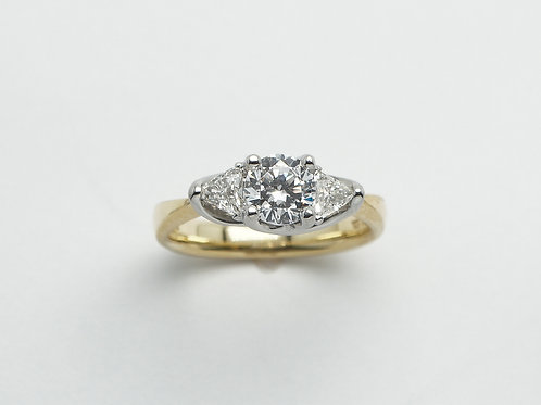 18 karat yellow gold and platinum semi mount diamond engagement ring