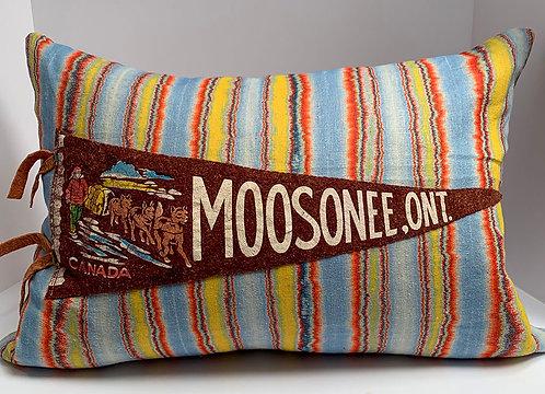 Vintage Moosnee Pennant pillow