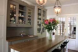 Kitchen unit & custom table
