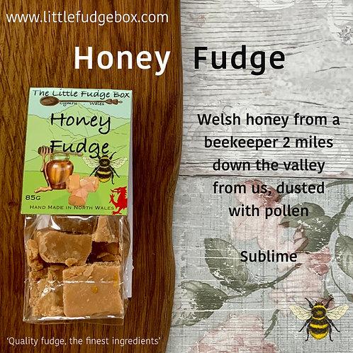 little fudge box honey fudge bag, compostable packaging, local honey, glyn ceiriog honey, bee product, sweet treat, yummy