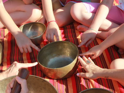 Yoga bambini e armonia: quando il suono diventa vibrazione dell'anima