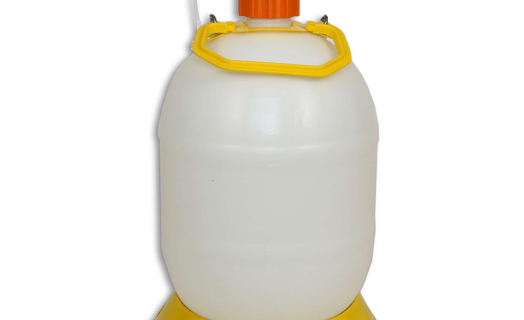 7350 Deionized Water Bottle
