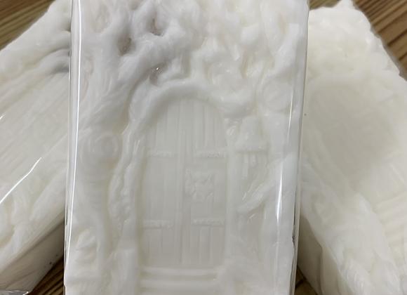 Fairy Door with Snow Quartz